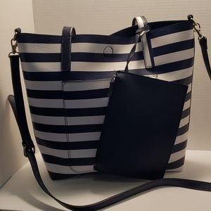 Handbags - Large tote with wristlet